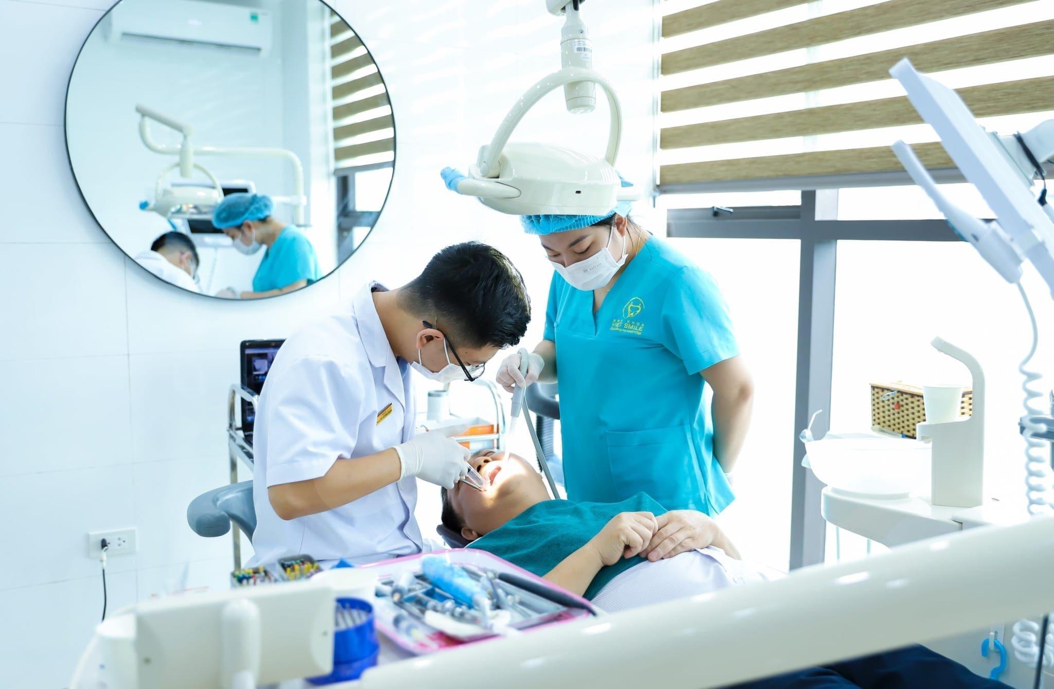 Nhổ răng 8